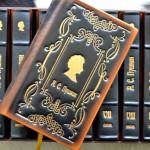 Книги в кожаном переплете приятно удивляют