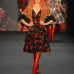 Арсенал модниц из традиционных платков